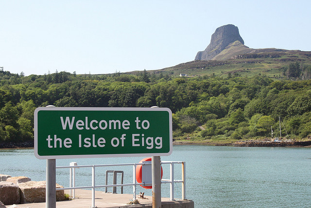 eigg pic by Kevin Walsh on flickr creative commons